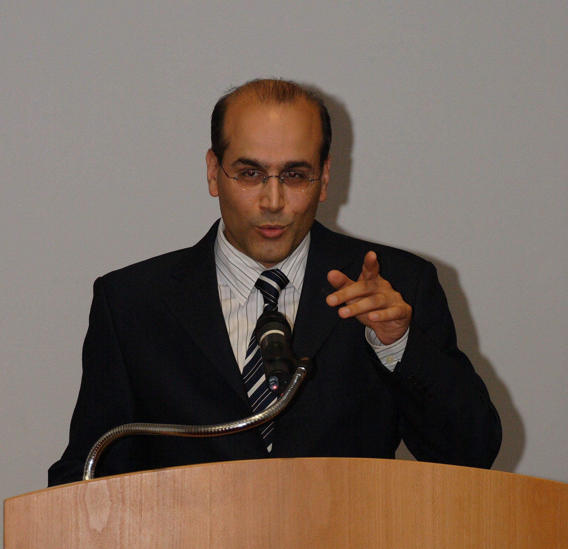 Erfan Enayati